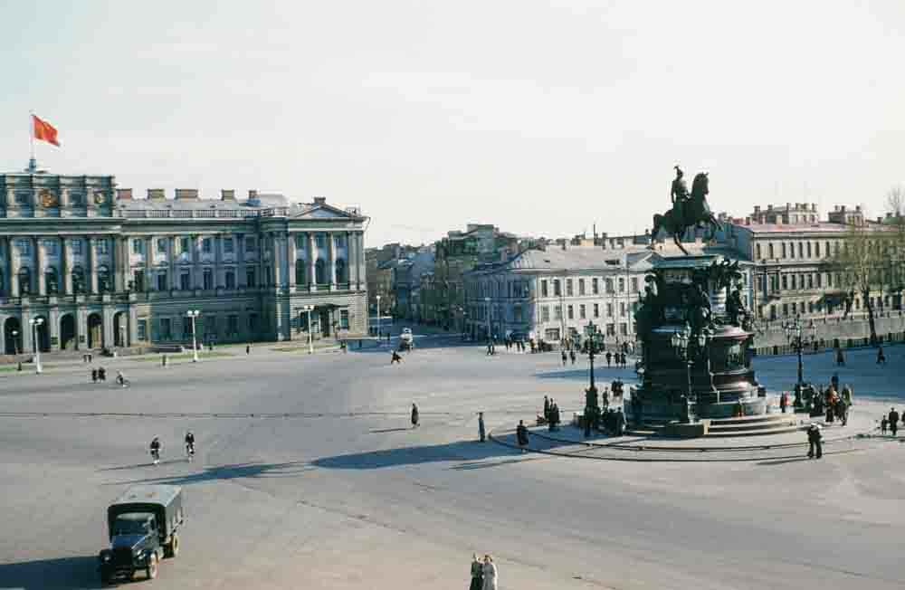 Isaakiyevskaya ploshchad, Leningrad.