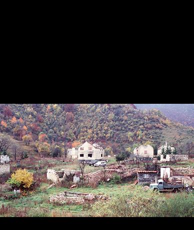 """TRNOVO - Progon na političkoj, rasnoj i vjerskoj osnovi. - Udruženi zločinački poduhvat - zločini počinjeni da bi se eliminirali bosanski Muslimani u Srebrenici - Genocid nad bosanskim Muslimanima u Srebrenici. - Pripadnici jedinice MUP-a Srbije poznate pod nazivom """"Škorpioni"""" su djelovali i činili zločine isključivo u općini Trnovo. - Ubistvo šest muškaraca i dječaka, bosanskih Muslimana, iz Srebrenice, kod Trnova. """