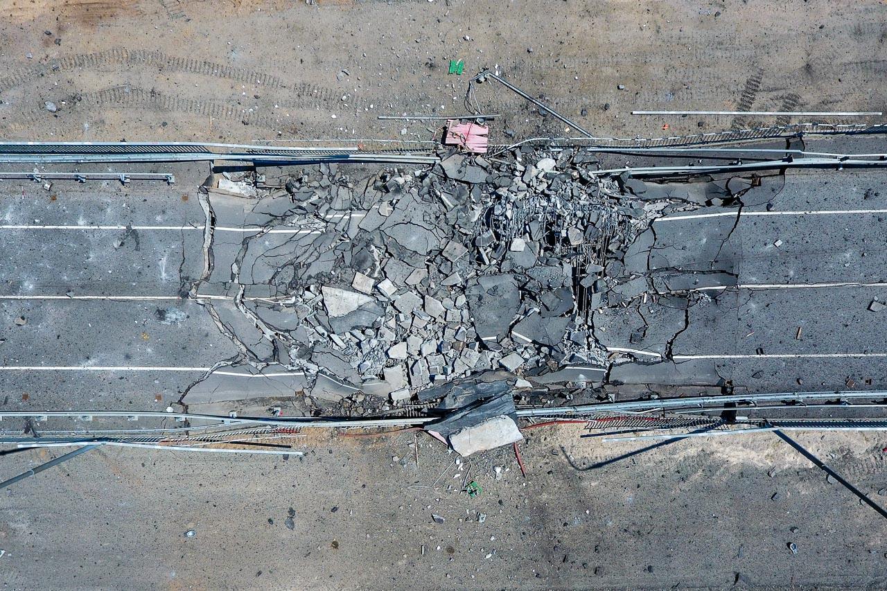 Кавалак аварыйнага моста паміж Туравам і Жыткавічамі пасьля яго падрыву